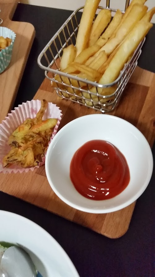 Kids Chips and Vegatable Fried patty